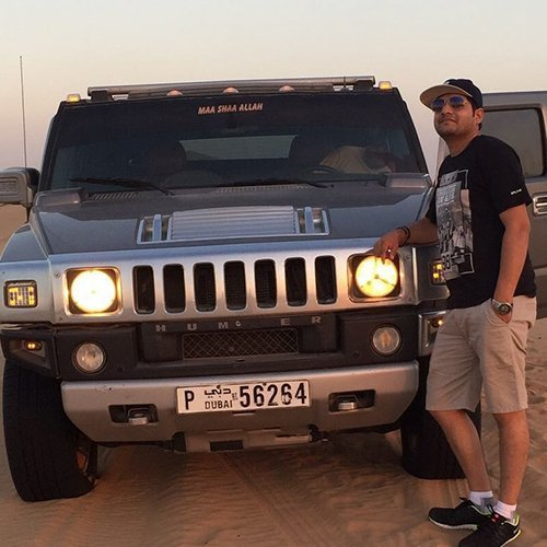 Photo With Hummer