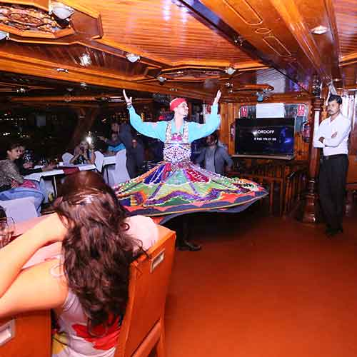 Dhow Cruise Live Show